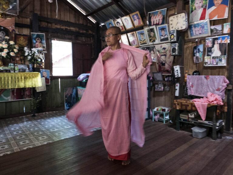 buddhistische Nonne in Myanmar